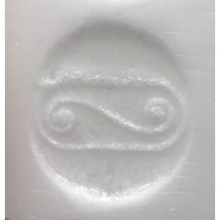 engraved symbol in the wish & gratitude candle