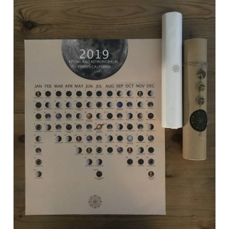 calendar on the table with the gift packaging details